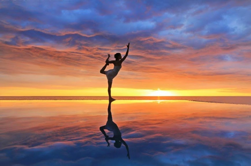es_1_sunset_yoga_in_jamaica_838-869x575.jpg