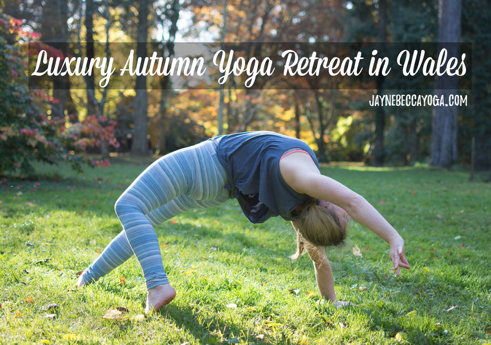 Pin it! The dream luxury autumn yoga retreat in Wales. A countryside and beach escape!
