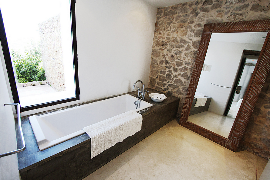 The Zen Suite en-suite bathroom.
