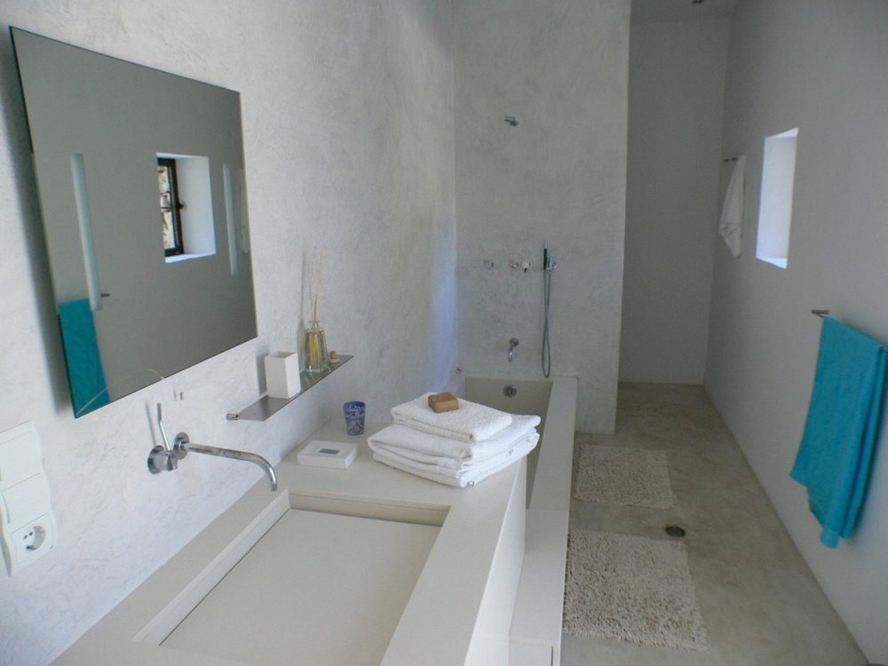 Bathroom shared between Nest and Perch.