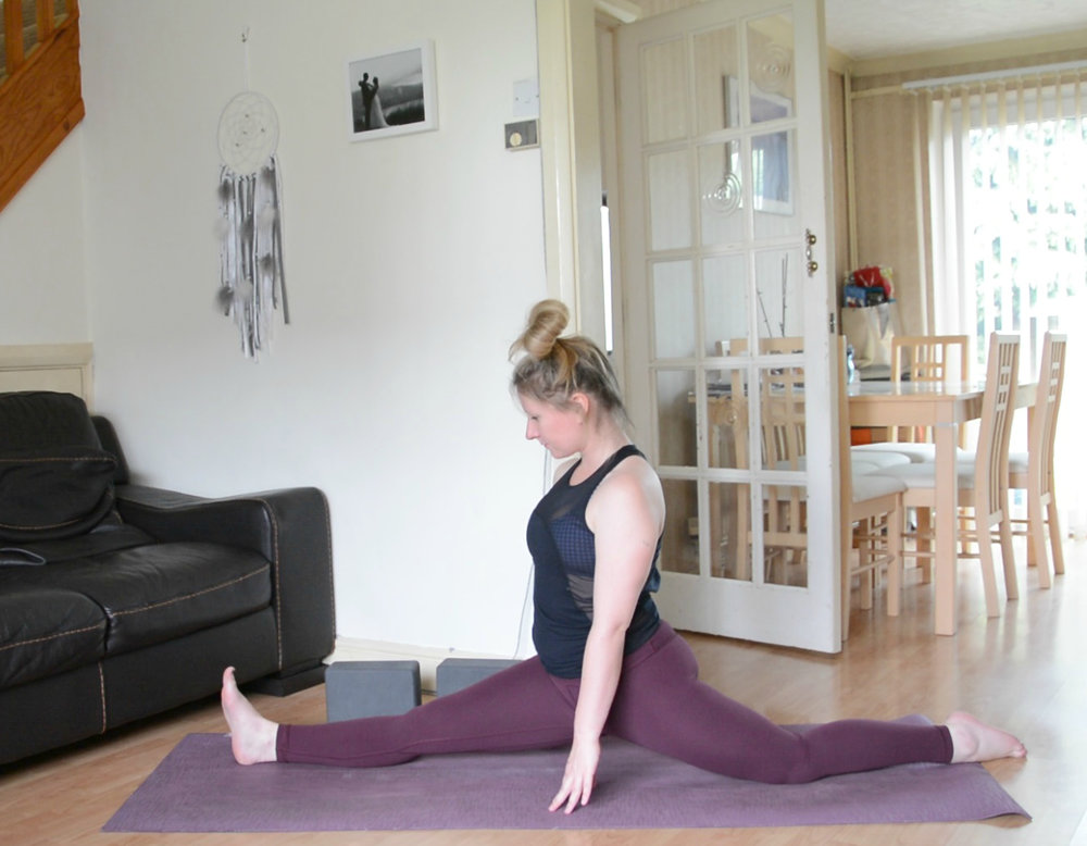 Using: Manduka mat & Manduka blocks.