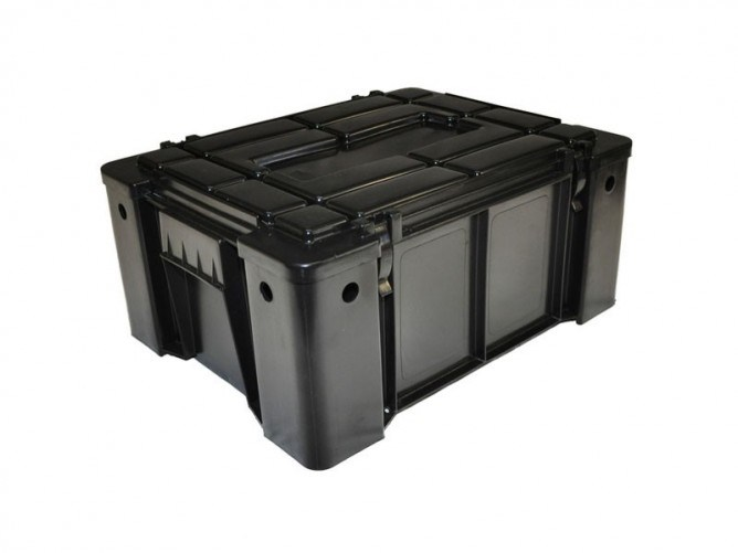 Front Runner Outfitters offers two different stackable storage containers: the Wolfpack and Cubpack (slightly smaller). Both are exceptionally sturdy and surprisingly inexpensive. Image: Front Runner Outfitters