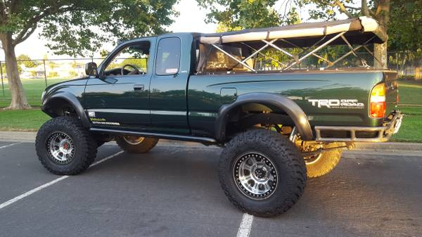 Craigslist Find of the Day | 2001 Toyota Tacoma SAS — Overland Kitted