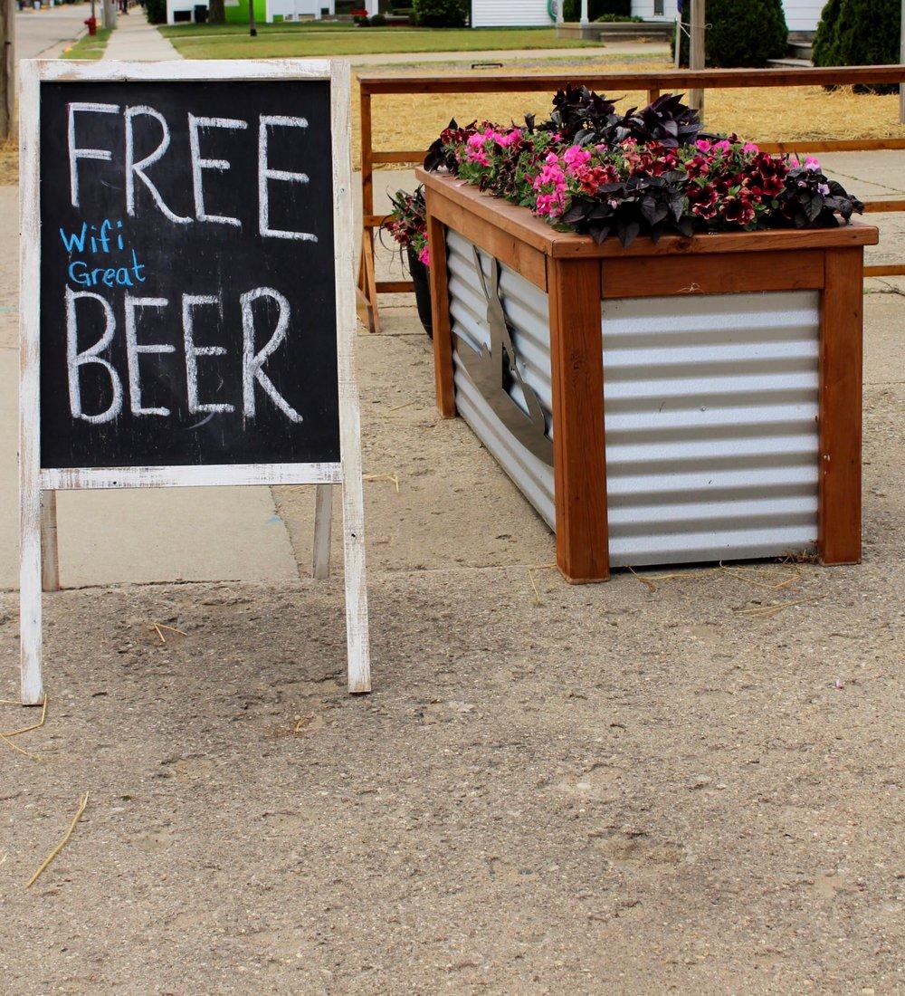 Pak Backyard Cafe / Michigan Great Lakes / Port Austin Michigan / Michigan Brewery