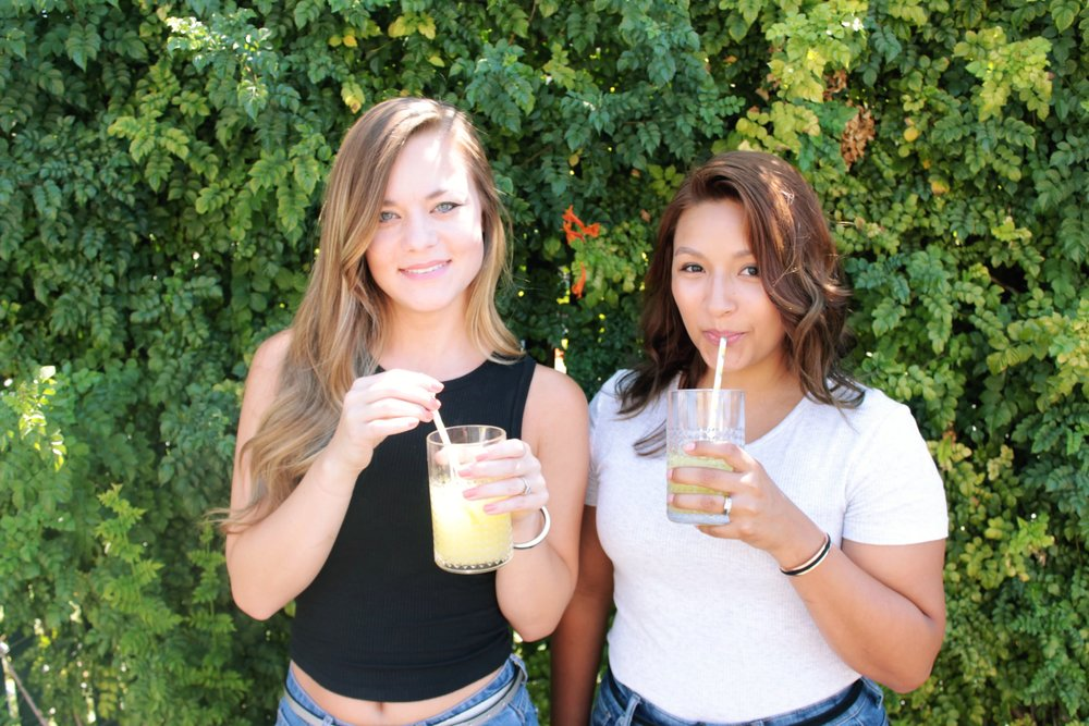Summer Cocktail / Strug-Free Cocktails / Black and White Shirts