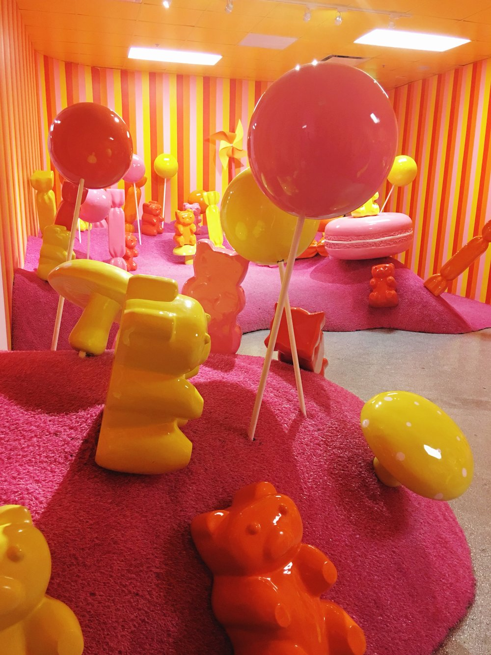 Giant gummy bears, candy land, museum of ice cream