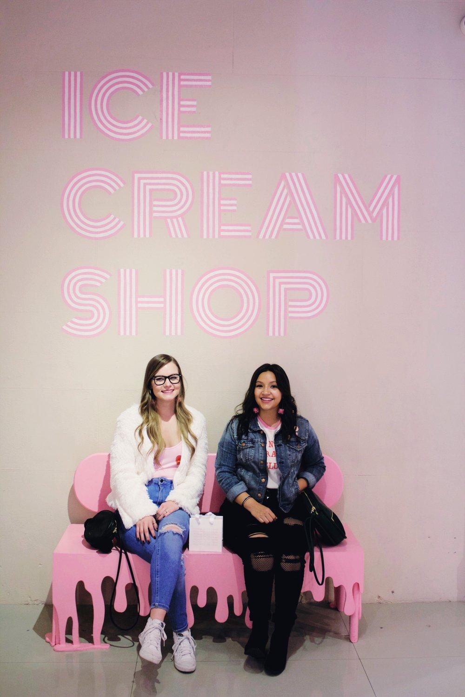Ice Cream Chair, Ice Cream shop, pink bench