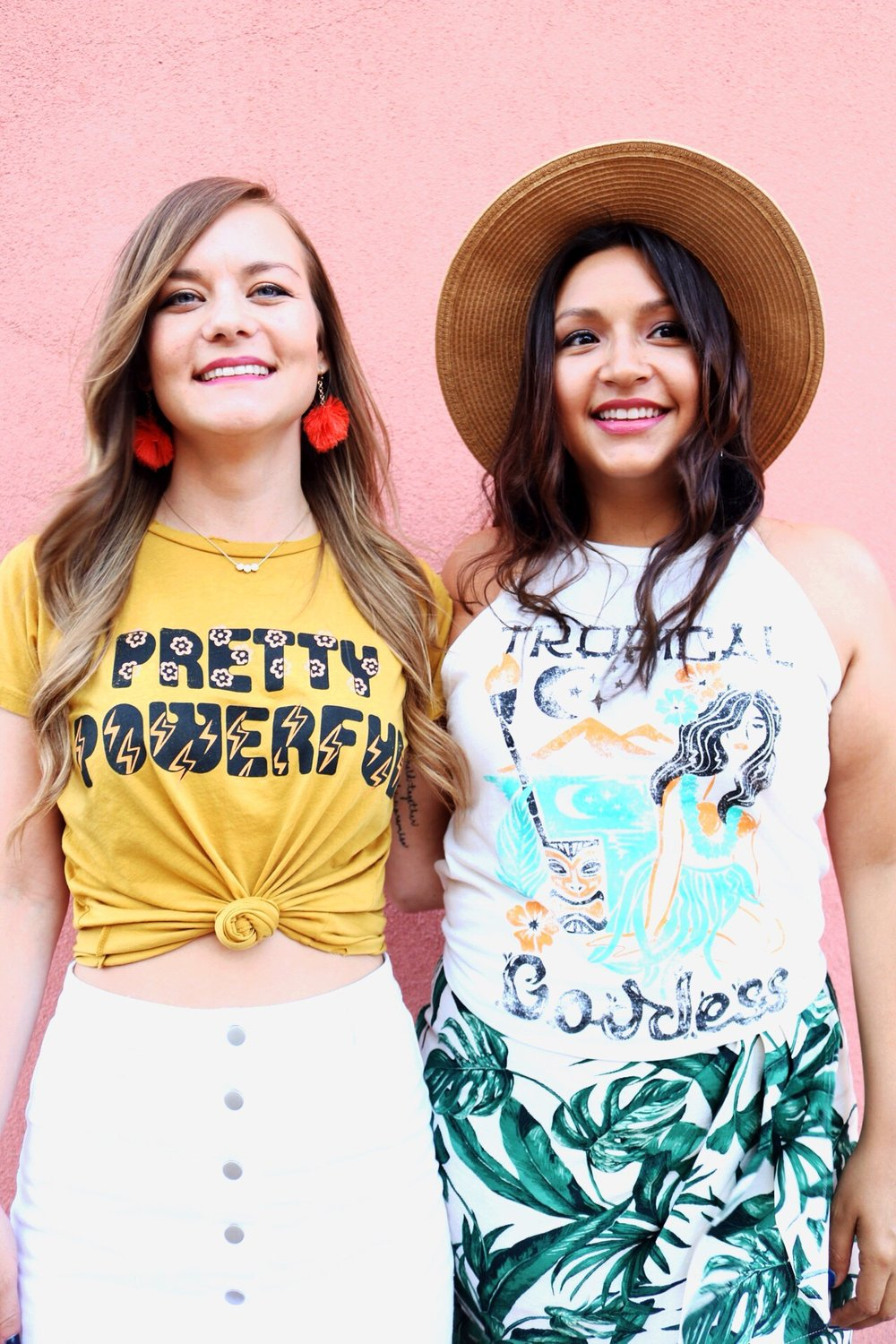 Summer outfit inspiration from Dazey L.A./ Graphic Tees and mini skirts