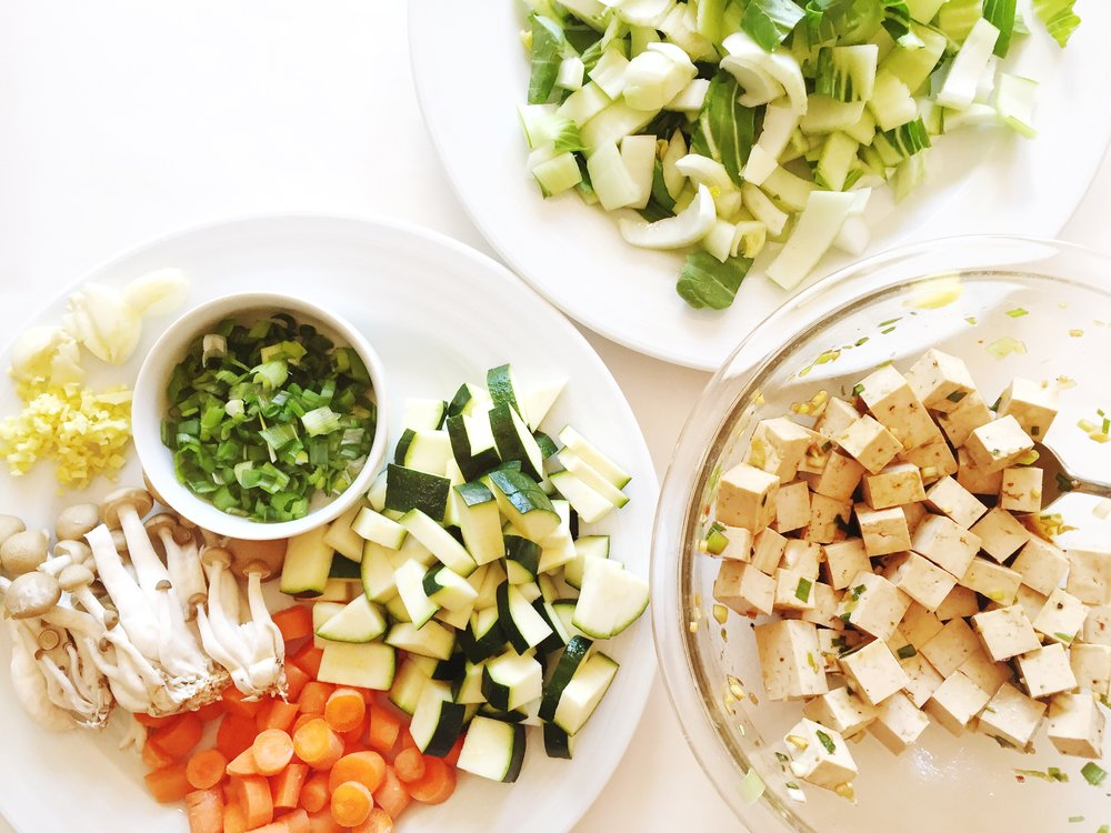 Prepped veggies & marinating tofu