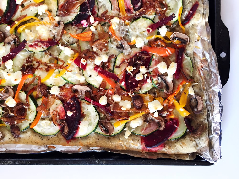 """Imperfect"" vegeterian flatbread @ofthesamemix"