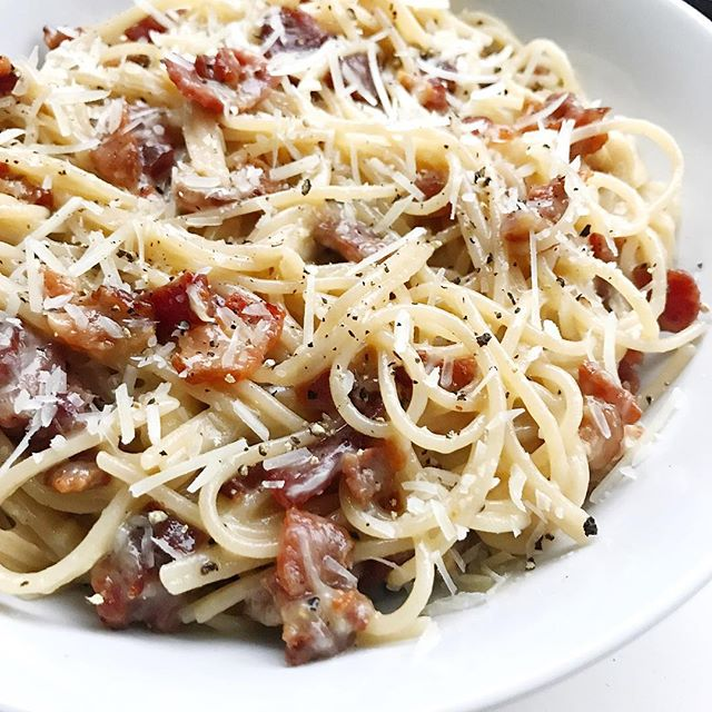 Tuesday's pick me up? An extra indulgent big a** bowl of pasta carbonara with extra bacon baby. Hump day here we come!