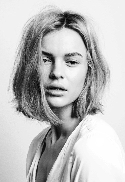 Textured hair + brush eyebrows