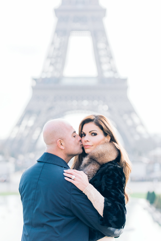 Photographer-in-Paris-proposal-at-the-eiffel-tower.jpg