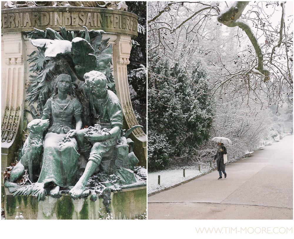 Paris-photographer-Tim-Moore-wandering-in-the-snow.jpg