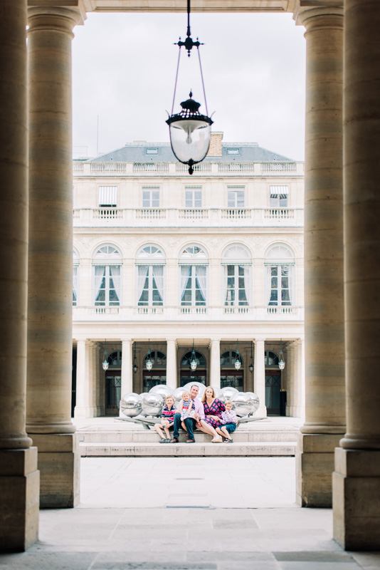 photographer in paris - family photo shoot at the royal palace in the center of Paris