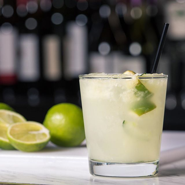Refresh. Rejoice. 🍈🥒 . Eat Chow Cup - Cucumber, Lime, Gin . . #cocktail #cocktails #cocktailhour #craft #crafted #craftedcocktails #instadrink #liquorgram #cocktailsocial #cheers #liquor #happyhour #drinks #mixology #dtsa #santaana #oc #orangecounty #gin #beefeater #cucumber #lime #treatyourself