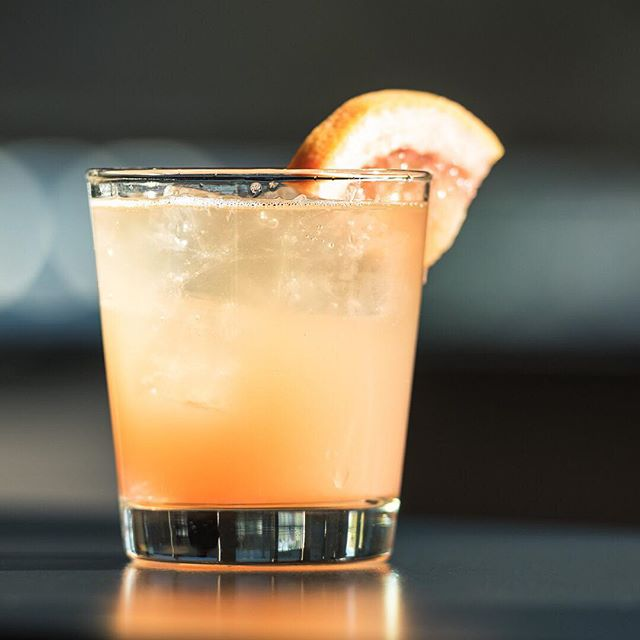 If looks could kill ⚡️⚡️⚡️ .  Femme Patron - Grapefruit, Lillet Blanc, Sparkling Wine, Vodka . . #cocktail #cocktails #cocktailhour #craft #crafted #craftedcocktails #instadrink #liquorgram #cocktailsocial #cheers #liquor #happyhour #drinks #mixology #dtsa #santaana #oc #orangecounty #vodka #sparkingwine #champagne #grapefruit #eatchow