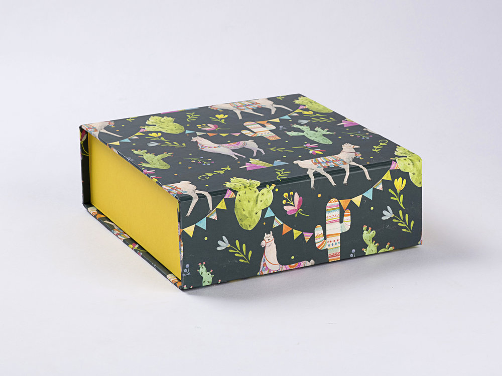 Lama Gift Box.JPG