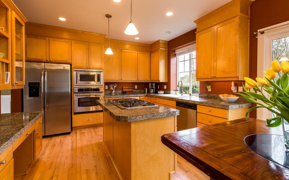 11.Kitchen 2.jpg