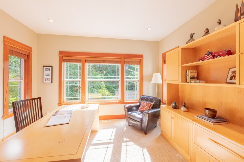 Just off the dining room is the sun-filled study/office/library is perfect as a home office, reading room/library or contained play area for smaller children.