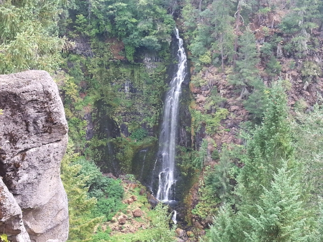 BARR CREEK FALLS - What to do in Southern Oregon - Things to do in Prospect - Waterfalls - Hiking