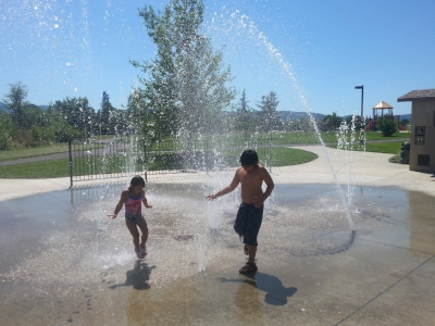 LEWIS PARK - What to do in Southern Oregon - Spray Parks - Things to do with Kids - Medford