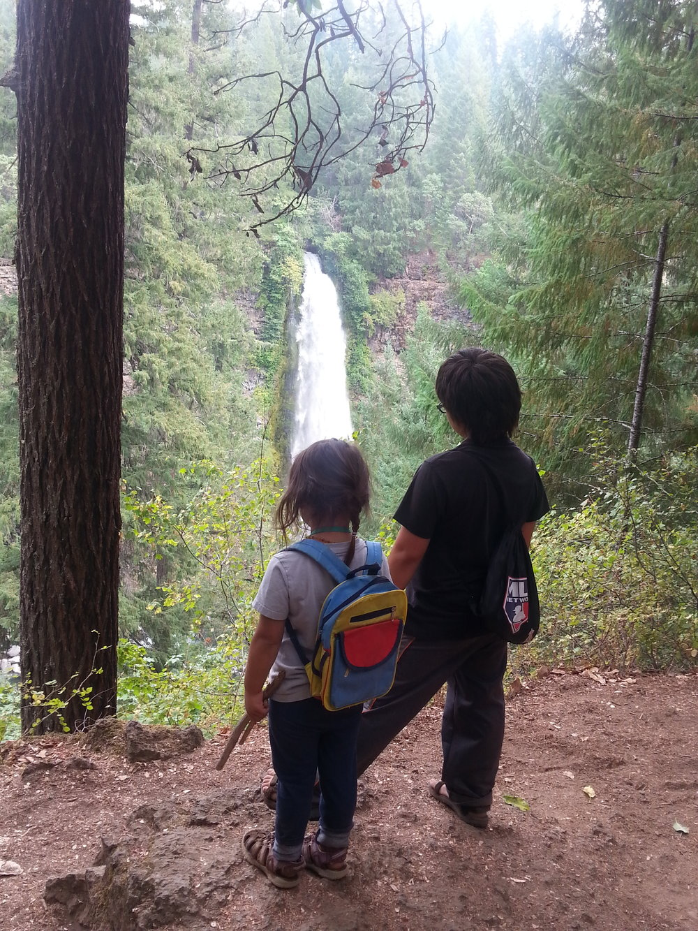 MILL CREEK FALLS  - Waterfalls - What to do in Southern Oregon - Things to do - Hikes - Kids