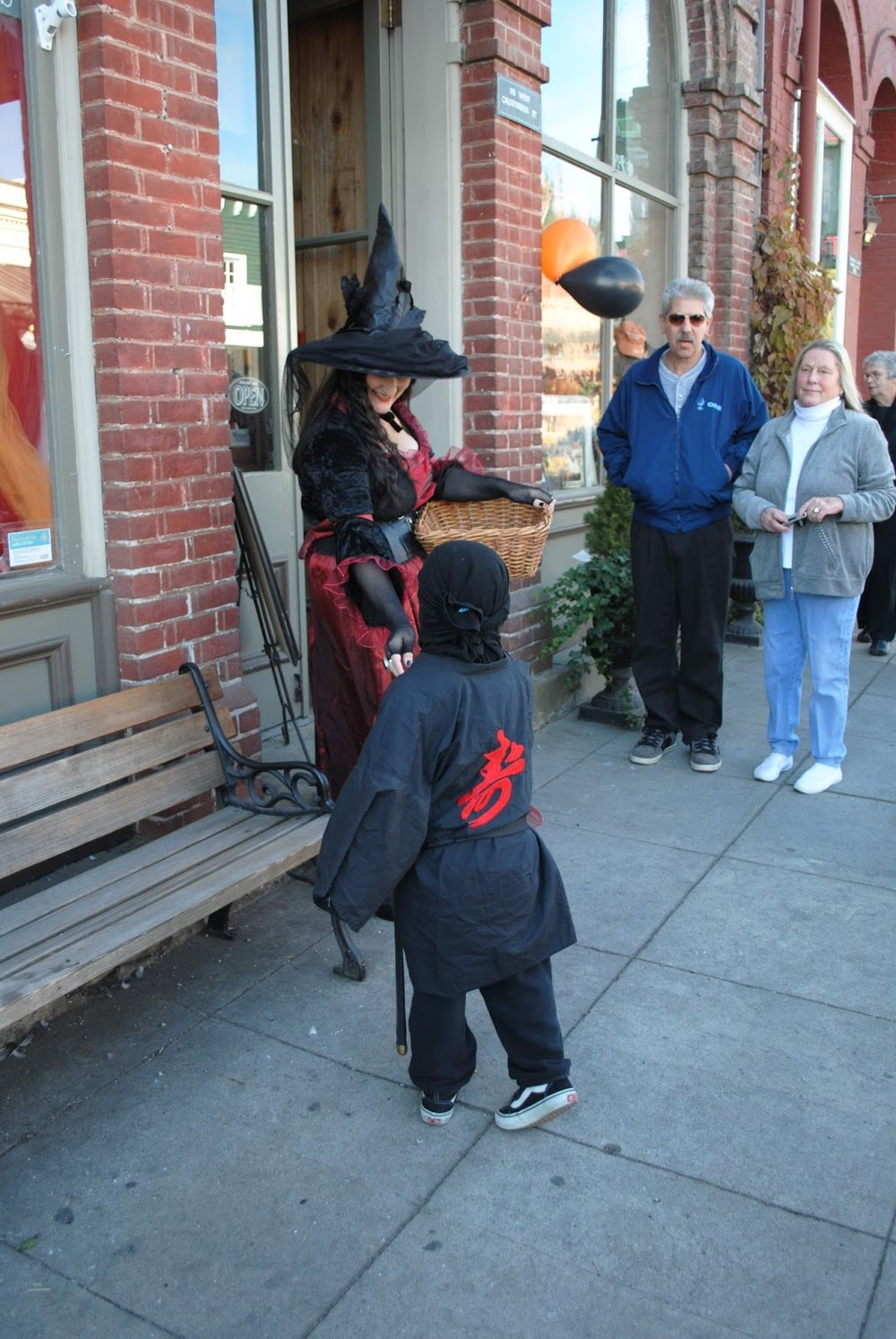 JACKSONVILLE'S HARVEST HALLOWEEN PROMENADE - What to do in Southern Oregon