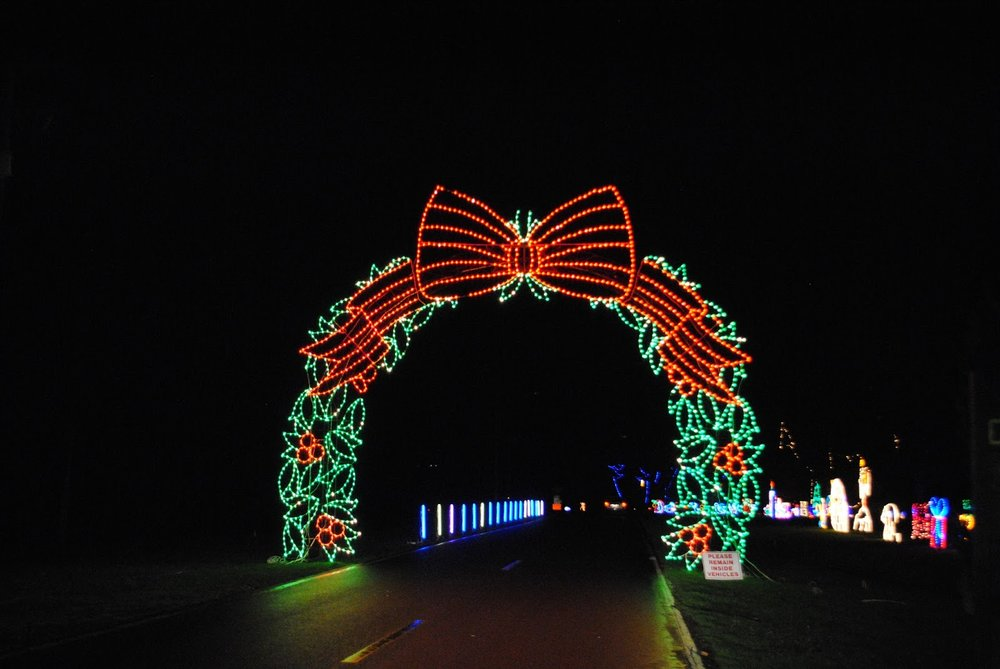 UMPQUA VALLEY FESTIVAL OF LIGHTS - Roseburg - Christmas Lights Trail - What to do in Southern Oregon