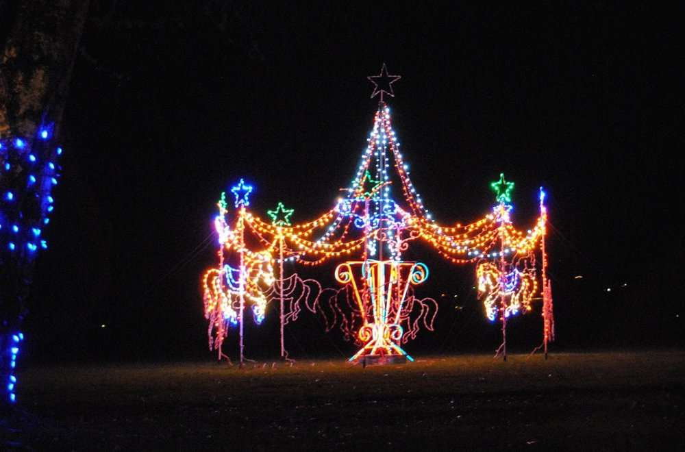 UMPQUA VALLEY FESTIVAL OF LIGHTS - Roseburg - Christmas Lights Trail - What to do in Southern Oregon 4.JPG