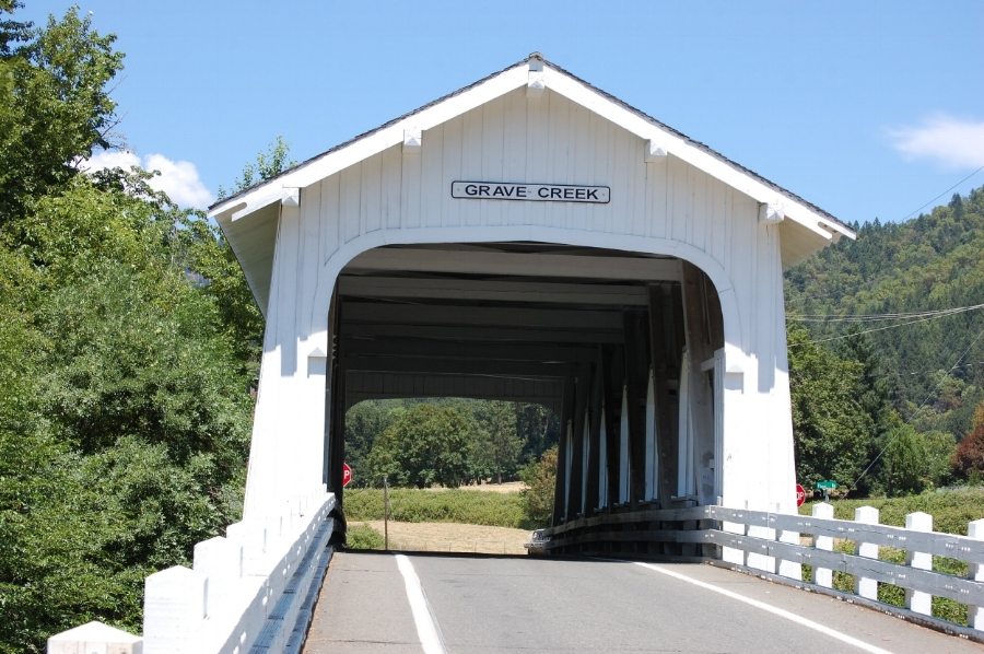 Grave Creek Bridge - What to do in Southern Oregon - Wolf Creek Inn