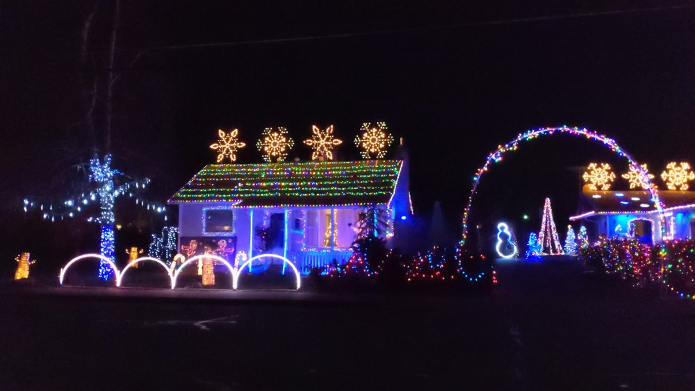 Christmas Lights Central Point - What to do in Southern Oregon - Rogue Valley