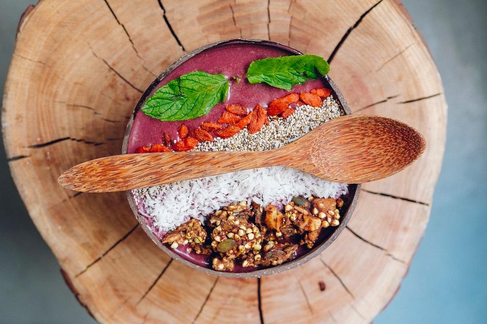 Legit, non-Americanized Açai Bowl (Image courtesy Pixabay)