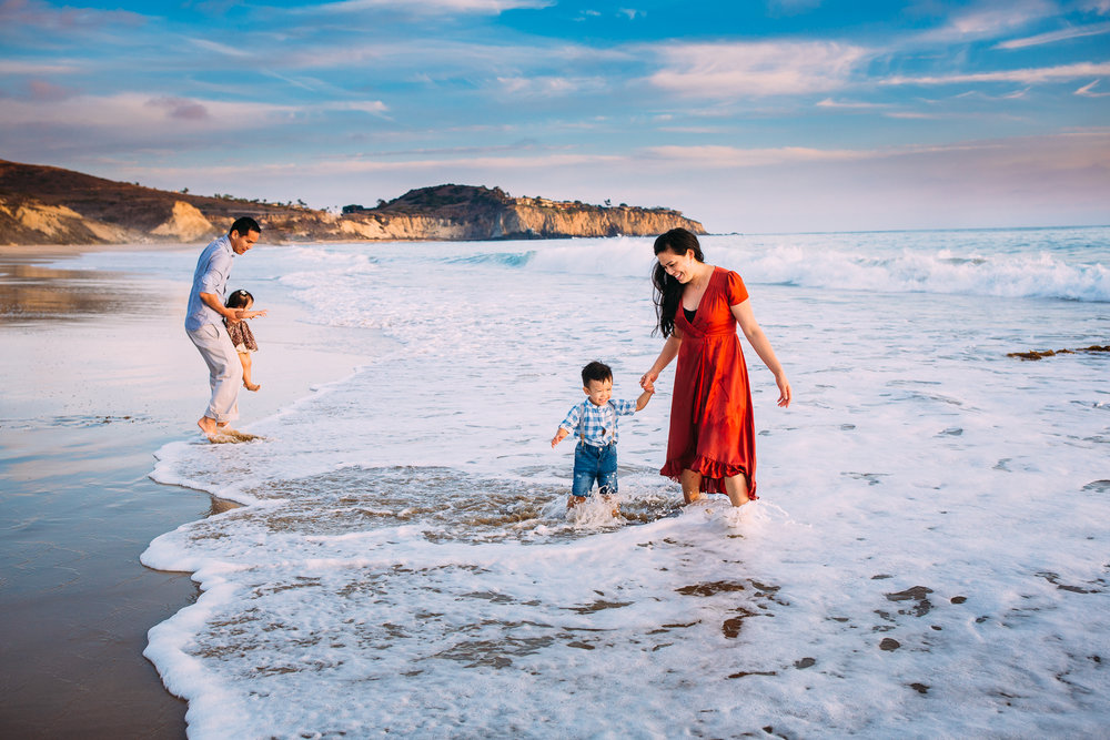 newportbeachfamilyphotographer.jpg