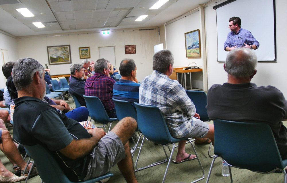 Dr John Pickering, project leader of Project Cane Changer, spoke to more than 30 cane growers from the Innisfail region at a meeting in Mourilyan recently.