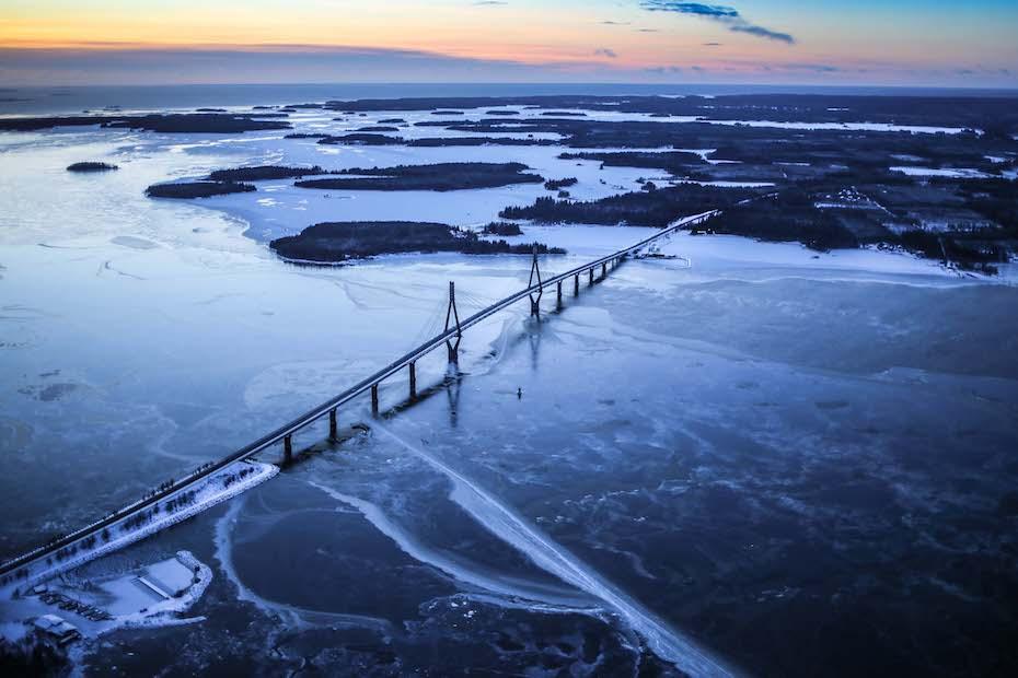 Raippaluodon silta_talvi.jpg