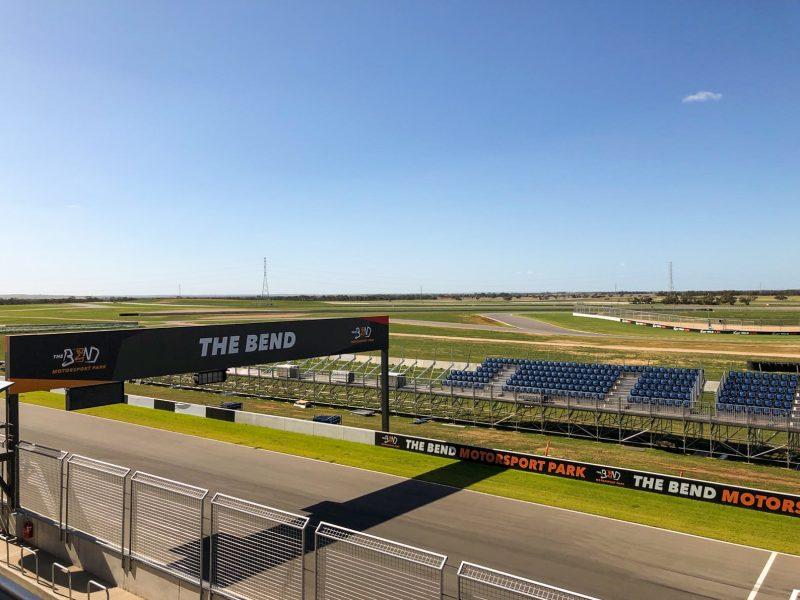 The-Bend-grandstand-800x600.jpg
