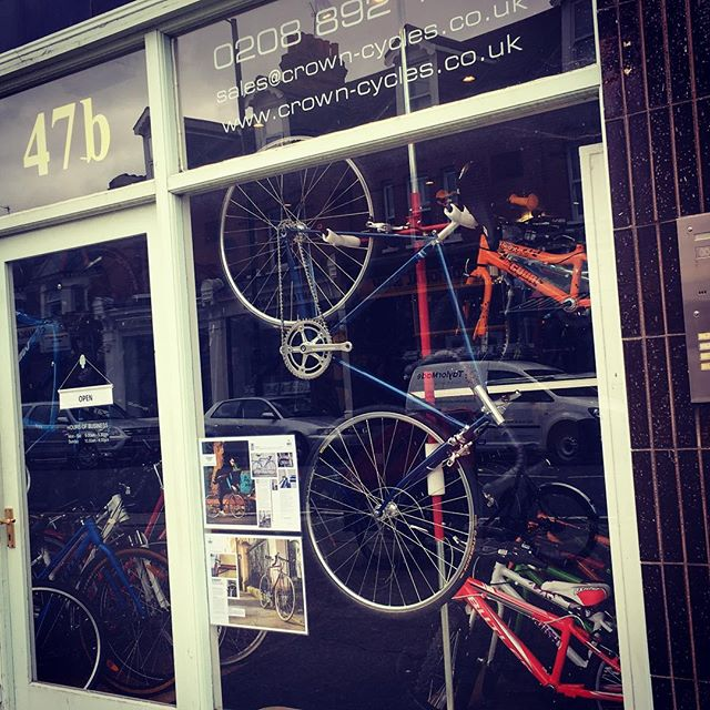 Sonnet MK II proudly hanging in the window of Crown Cycles, TW1, UK (complete with recent press). If you're local, swing by for a test ride. Talk to owner, Mark, he's a lovely guy and knows his stuff #Sonnet #soulofsteel #artisanframes #steelisreal #niobium #columbussteel