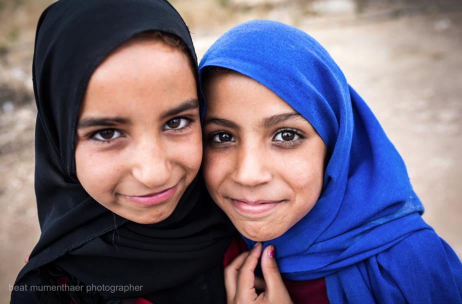 Zwei unserer Schülerinnen nach der Schule
