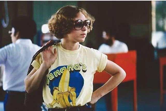 WHO LOVES BANANAS 🍌? MAÑANA ESTAREMOS EN SEVILLA TOCANDO EN EL @monkey_week 🐒⚡️