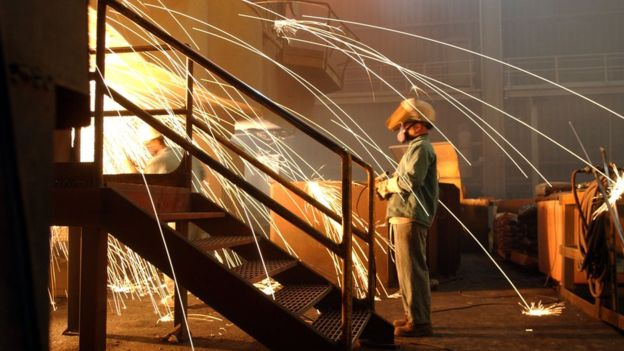The number of people employed in the US steel industry fell by almost 50,000 between 2000 and 2016. Image copyright GETTY IMAGES
