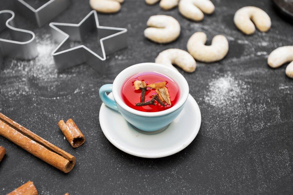 L'utilisation de la  cannelle  en patisserie permet de parfumer biscuits et cakes mais aussi de  réduire le taux de sucre!