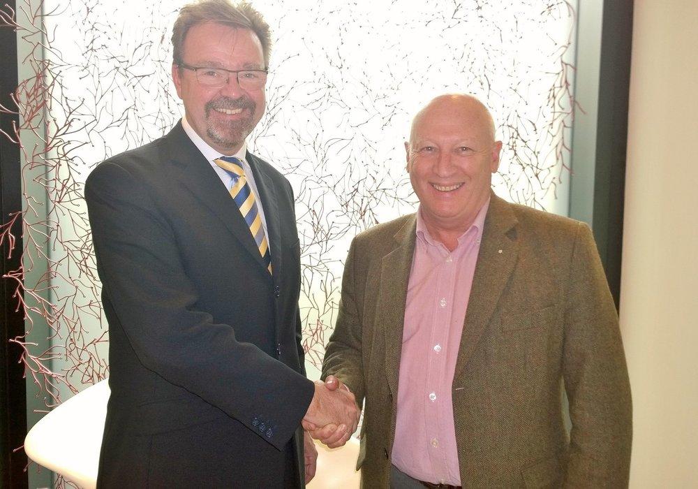 (L) Tom Marchbanksl(R) Steve Forsyth