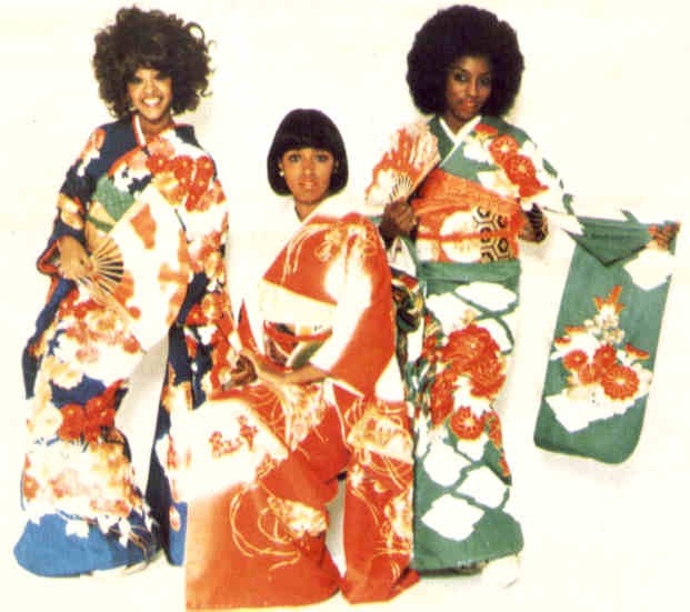 The Three Degrees in kimono [ source ]