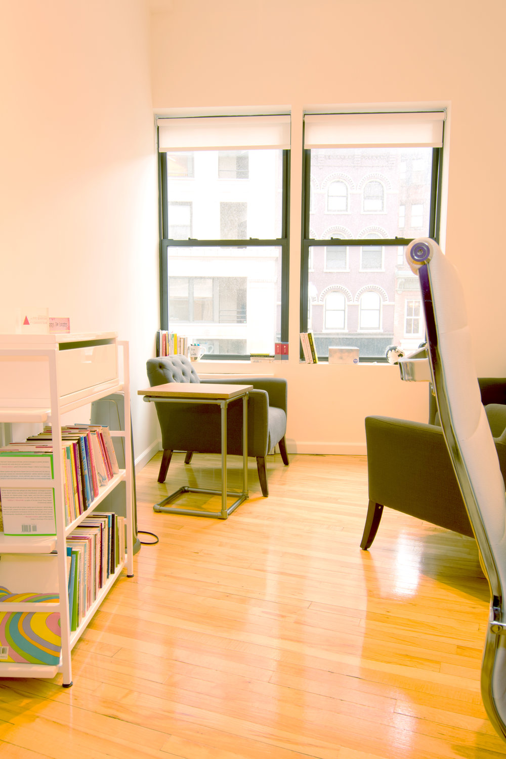 serene-offices-therapy-office-flatiron-21st-street-room-1-2-chairs.jpg