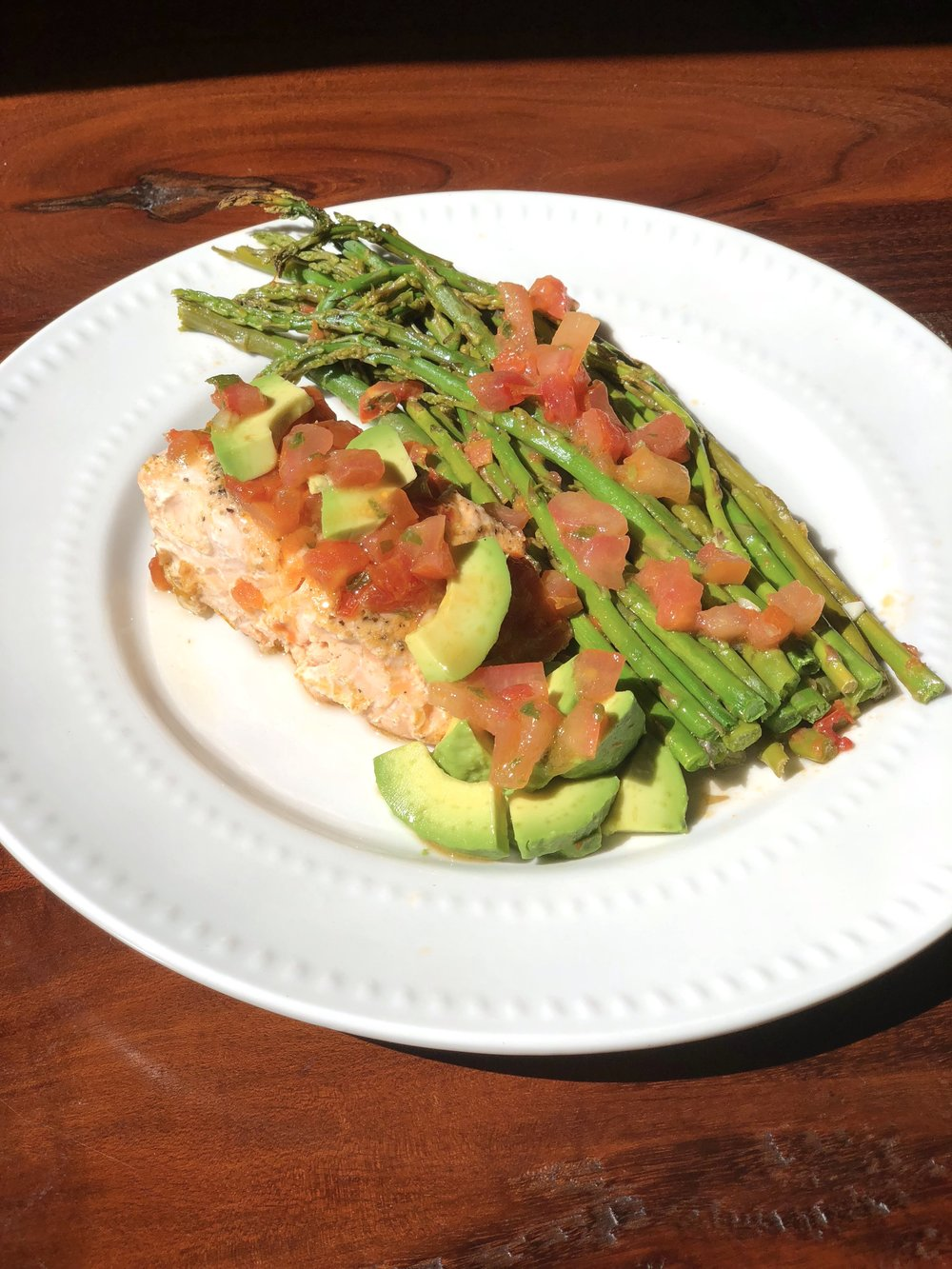 AAY Nutrition Baked Salmon and Asparagus with Bruschetta Sauce