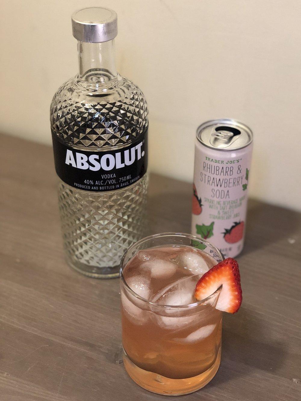 AAY Nutrition Trader Rhubarb-Strawberry Vodka Fizz