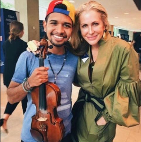 Carmen Busquets WONDER WOMEN MISSION interviews Venezuelan luxury and fashion entrepreneur...