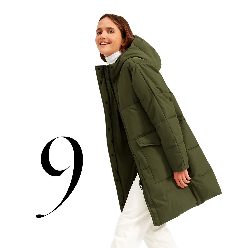 Everlane - Made from 60 renewed plastic bottles, water resistant, 100% recycled PrimaLoft insulation.The ReNew Long Puffer $175.00