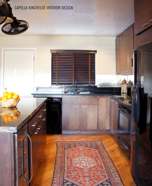 Paradise Valley Bachelor Pad Kitchen 02